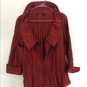 Bold blouse in dark cranberry.